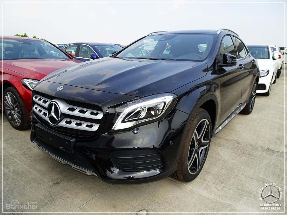 Bán Mercedes-Benz GLA 250 4 Matic - Xe SUV nhập khẩu - Hỗ trợ bank 80% - Ưu đãi tốt trong tháng- LH: 0919 528 520-0
