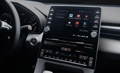 Đánh giá xe Toyota Avalon 2019: Xe được trang bị nhiều tính năng hiện đại.