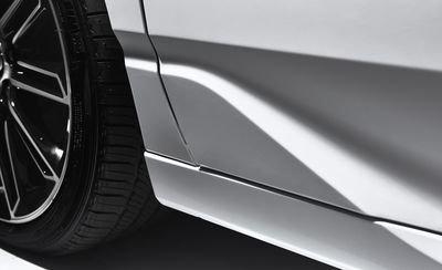 Đánh giá xe Toyota Avalon 2019: Đường rập trên thân xe.
