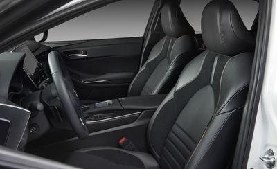 Đánh giá xe Toyota Avalon 2019: Hàng ghế trước.