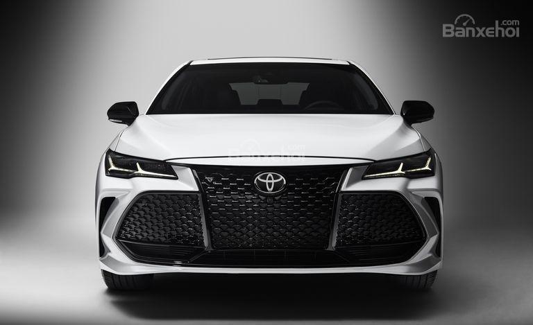Đánh giá xe Toyota Avalon 2019: Đầu xe.