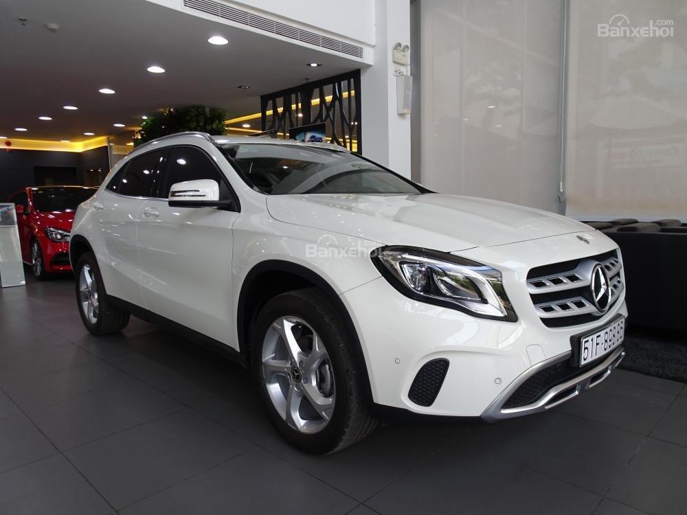 Bán Mercedes Benz GLA 200 New 2019 - Xe SUV nhập khẩu 5 chỗ cao cấp - Hỗ trợ Bank 80% - LH: 0919 528 520-0