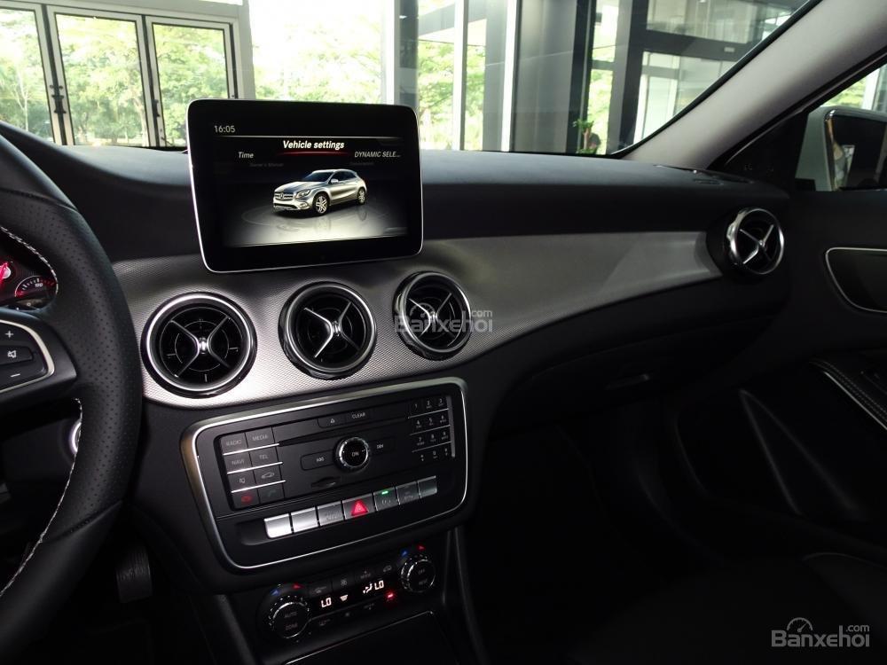 Bán Mercedes Benz GLA 200 New 2019 - Xe SUV nhập khẩu 5 chỗ cao cấp - Hỗ trợ Bank 80% - LH: 0919 528 520-6