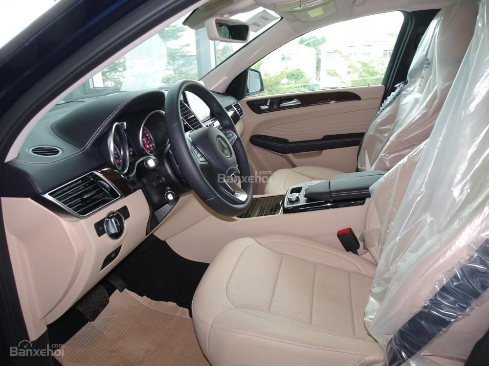 Bán Mercedes Benz GLE400 coupe - SUV 5 chỗ - Hỗ trợ ngân hàng 80%, đưa trước 1,1 tỷ nhận xe. LH: 0919 528 520-5