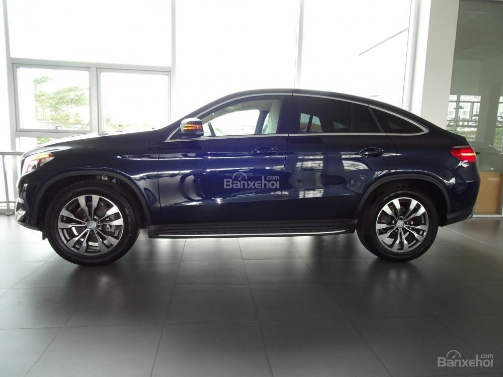 Bán Mercedes Benz GLE400 coupe - SUV 5 chỗ - Hỗ trợ ngân hàng 80%, đưa trước 1,1 tỷ nhận xe. LH: 0919 528 520-1