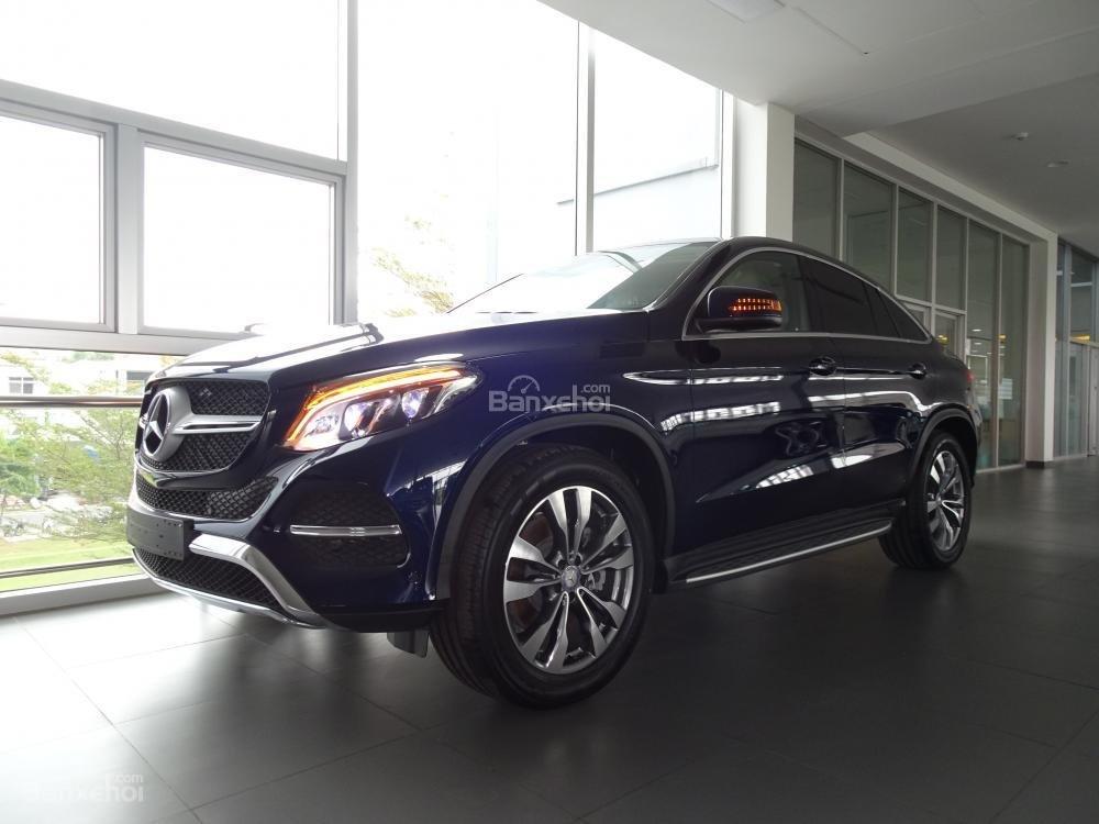 Bán Mercedes Benz GLE400 coupe - SUV 5 chỗ - Hỗ trợ ngân hàng 80%, đưa trước 1,1 tỷ nhận xe. LH: 0919 528 520-0