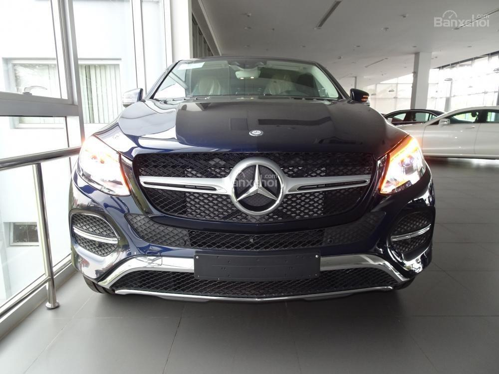 Bán Mercedes Benz GLE400 coupe - SUV 5 chỗ - Hỗ trợ ngân hàng 80%, đưa trước 1,1 tỷ nhận xe. LH: 0919 528 520-2