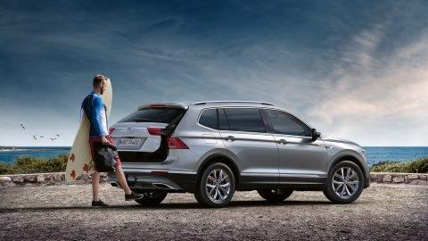 Đánh giá xe Volkswagen Tiguan Allspace 2018 về khoang hành lýA1