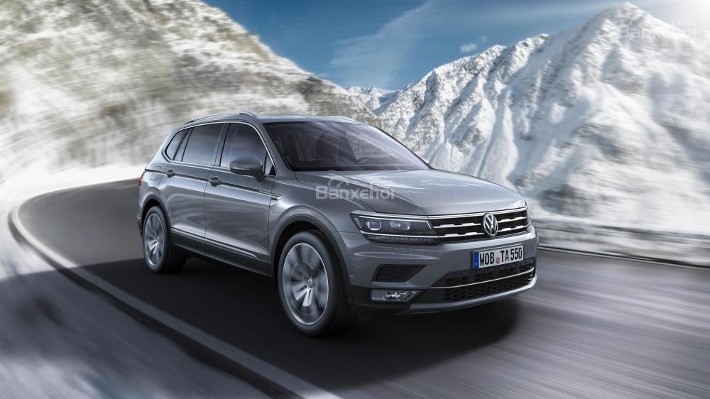 Volkswagen Tiguan Allspace 2018 cung cấp cả 2 lựa chọn động cơ xăng và dầu/