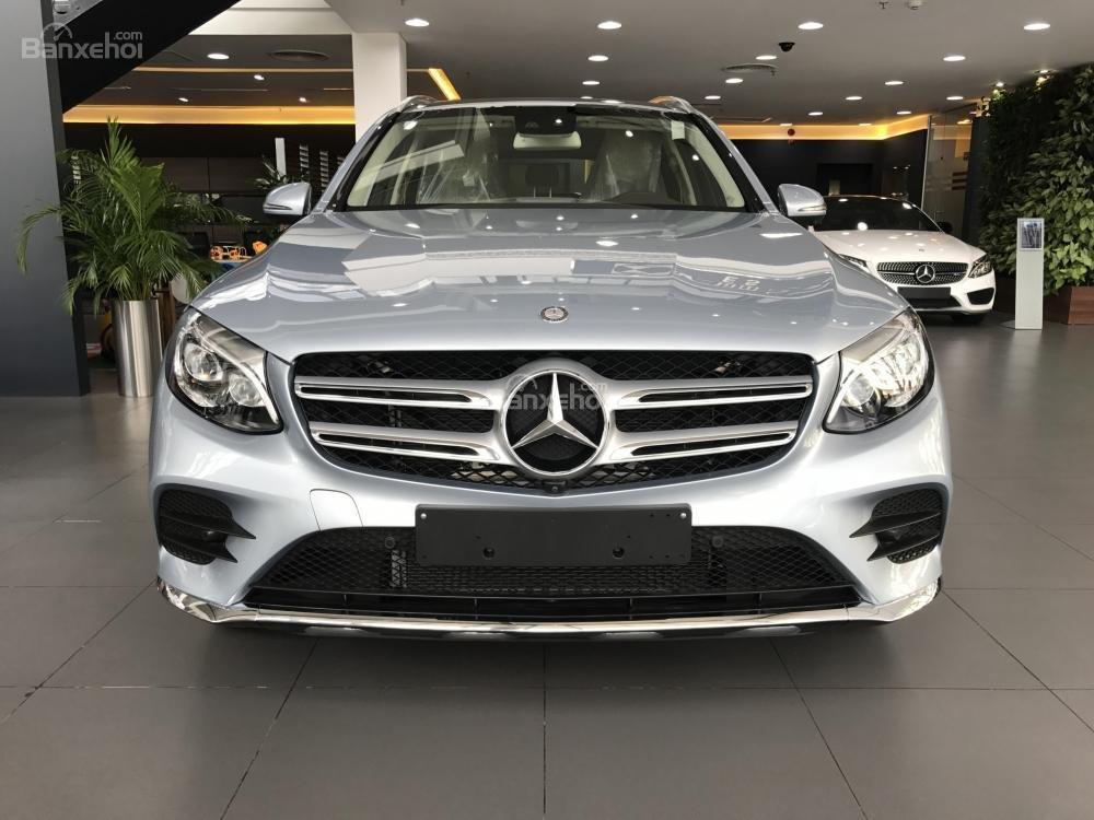 Bán Mercedes Benz GLC300 AMG 2019 - Ưu đãi tốt - Bank hỗ trợ vay 80% - Xe giao ngay-2