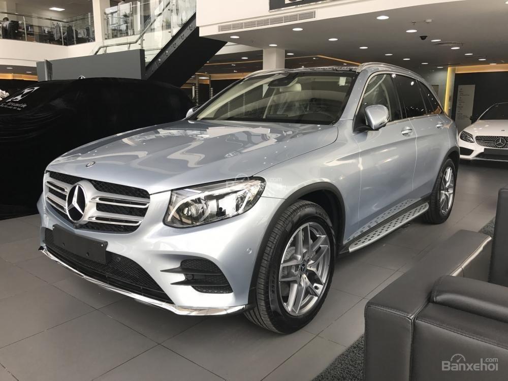 Bán Mercedes Benz GLC300 AMG 2019 - Ưu đãi tốt - Bank hỗ trợ vay 80% - Xe giao ngay-1