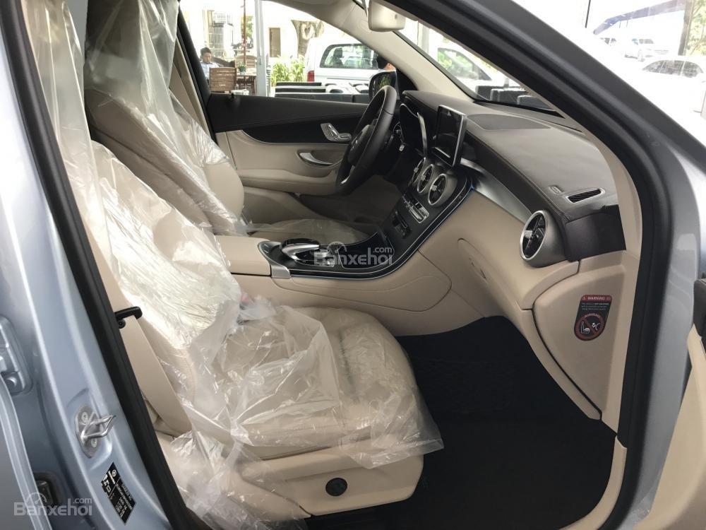 Bán Mercedes Benz GLC300 AMG 2019 - Ưu đãi tốt - Bank hỗ trợ vay 80% - Xe giao ngay-8