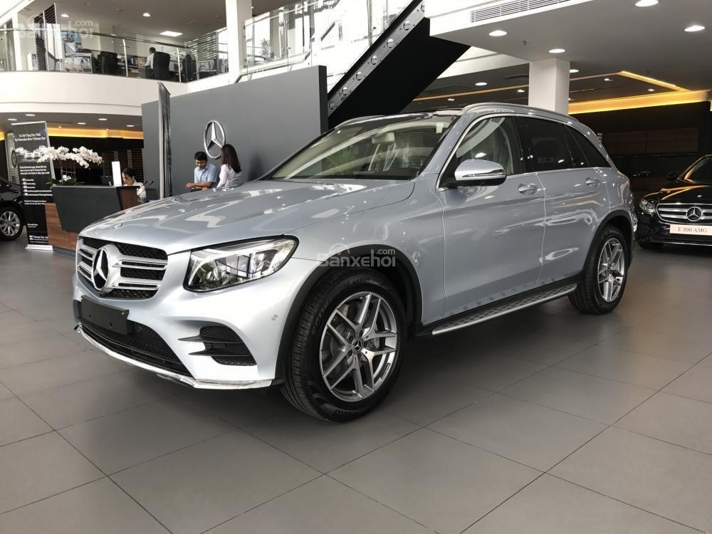 Bán Mercedes Benz GLC300 AMG 2019 - Ưu đãi tốt - Bank hỗ trợ vay 80% - Xe giao ngay-9