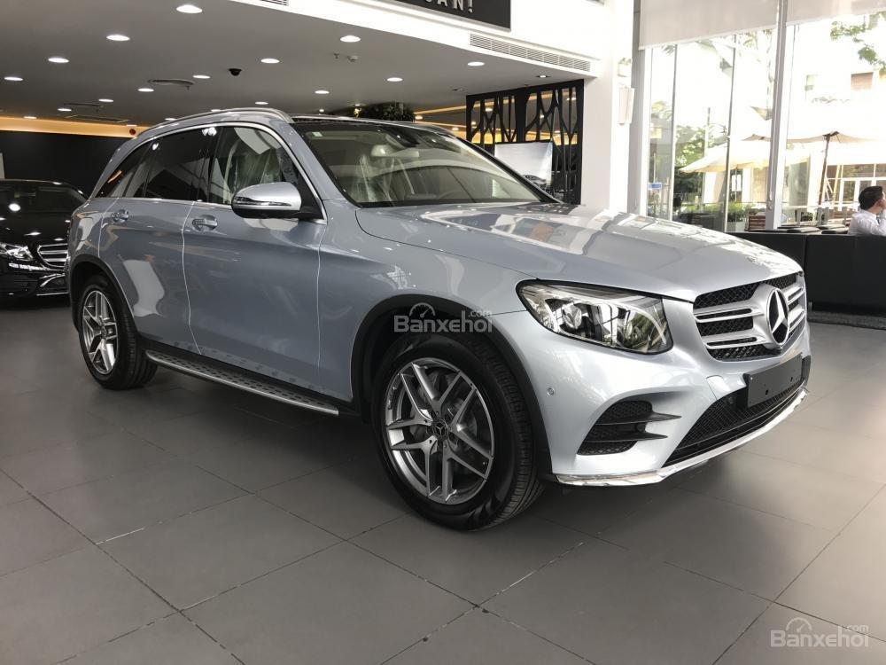 Bán Mercedes Benz GLC300 AMG 2019 - Ưu đãi tốt - Bank hỗ trợ vay 80% - Xe giao ngay-0