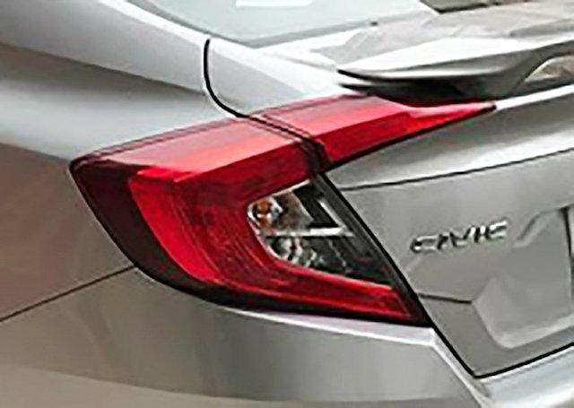 Ảnh chụp đèn hậu xe Honda Civic 1.8E 2018