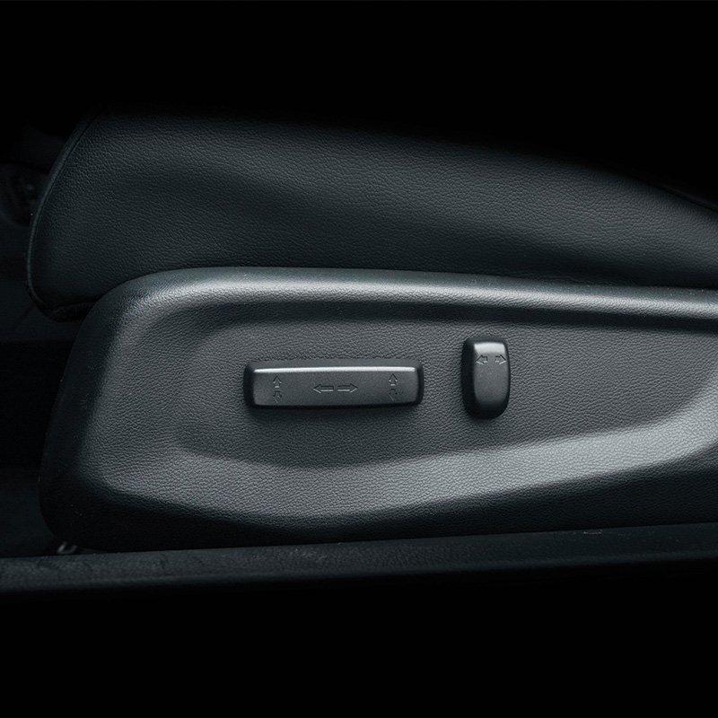 Ảnh chụp chỉnh điện ghế xe Honda Civic 1.8E 2018