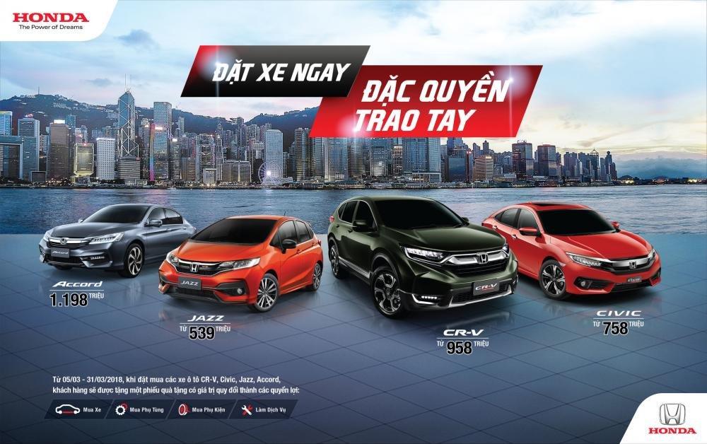 Hai bản Honda Civic mới về Việt Nam thiếu những trang bị gì? a1