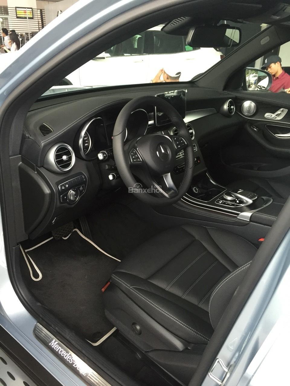 Bán Mercedes GLC 300 2019, siêu thể thao, ưu đãi cực hot-8