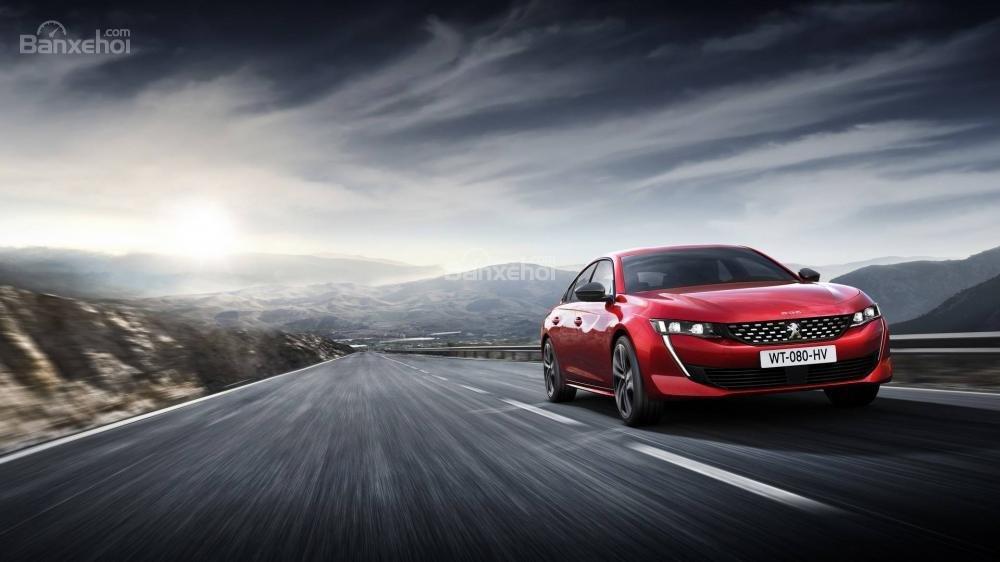 Đánh giá xe Peugeot 508 2019: Xe cho cảm giác lái mượt mà.