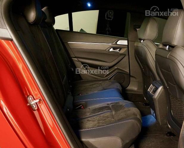 Đánh giá xe Peugeot 508 2019: Hàng ghế sau.