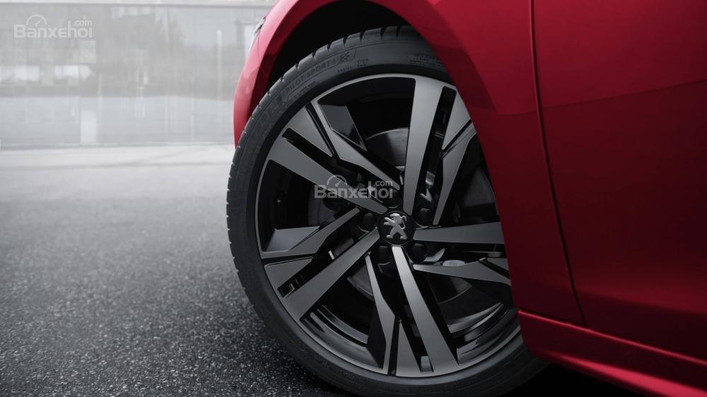 Đánh giá xe Peugeot 508 2019: Bánh xe.