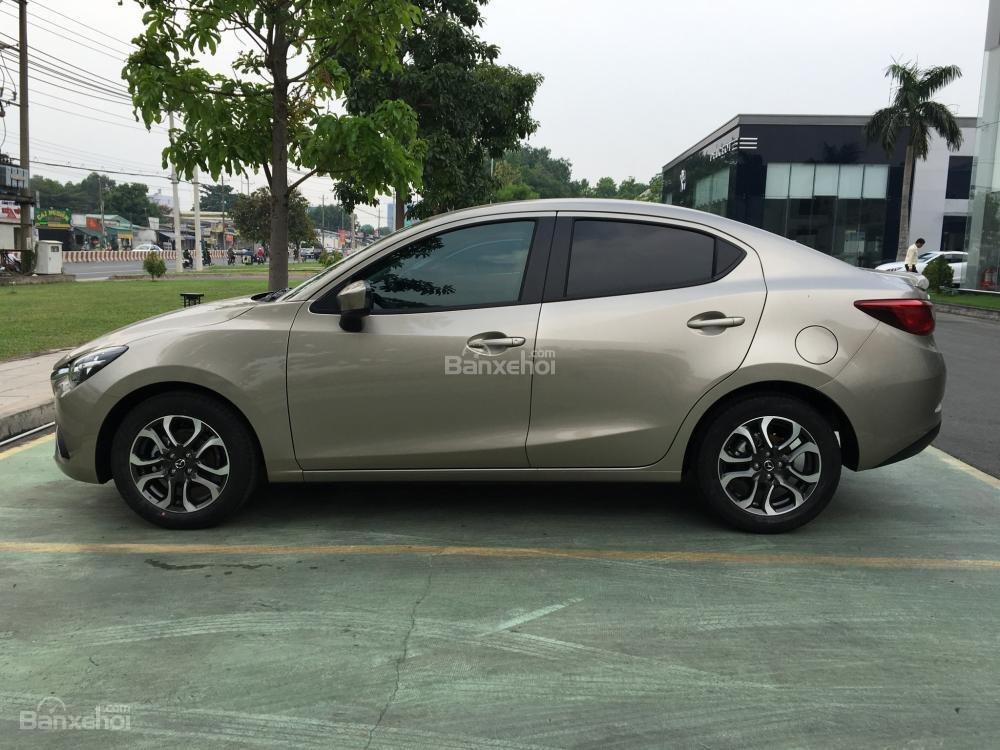 Bán Mazda 2 Sedan giá tốt tháng 5, xe giao ngay, trả góp tối đa - Liên hệ: 0938 900 820-0