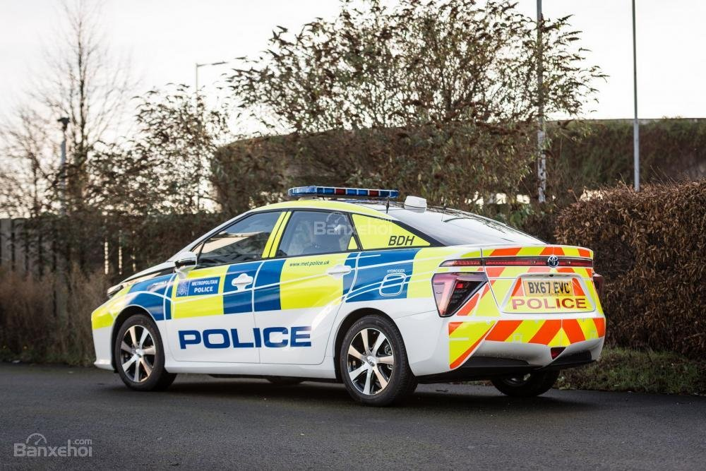 Toyota Mirai đến tay cảnh sát London - 3