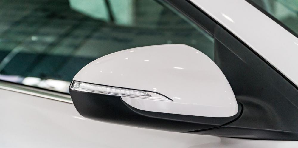 So sánh xe Hyundai Elantra Sport 2018 và Honda Civic 2018 về thiết kế thân xe 5