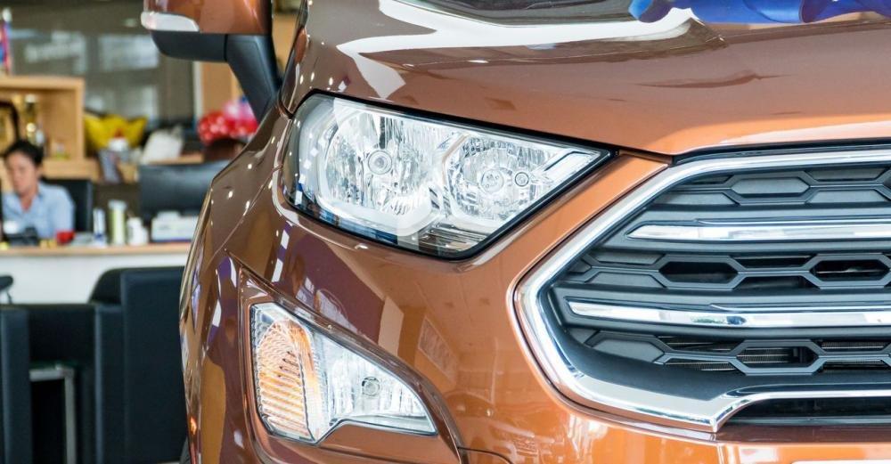 So sánh xe Ford Ecosport 2018 và Chevrolet Trax 2018 về đầu xe 5