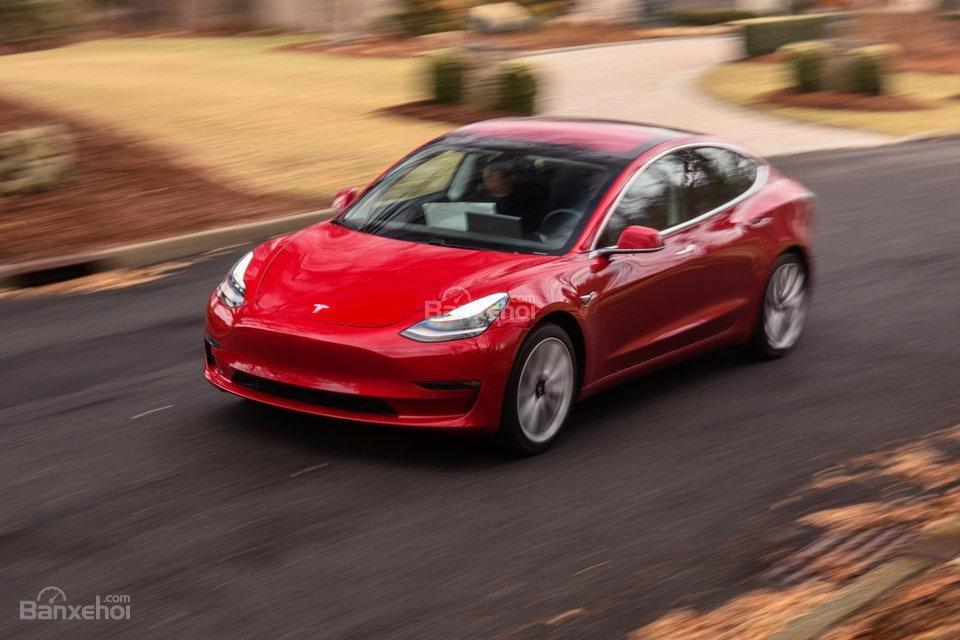 Đánh giá xe Tesla Model 3 2018 về trang bị an toàn.