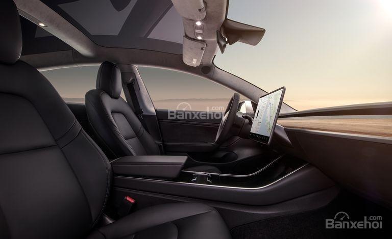 Đánh giá xe Tesla Model 3 2018 về khoang nội thất - Ảnh a1