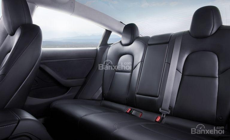 Đánh giá xe Tesla Model 3 2018 về hệ thống ghế ngồi - Ảnh a3