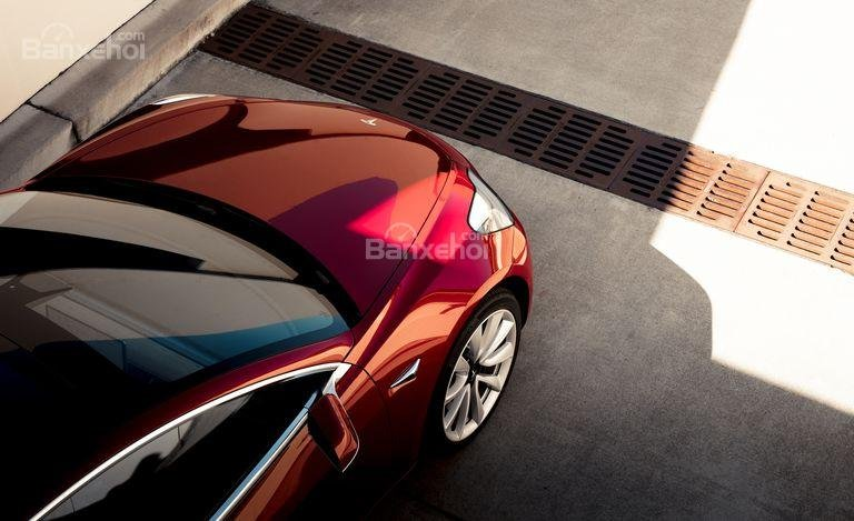 Đánh giá xe Tesla Model 3 2018: Lă-zăng 18 inch tiêu chuẩn.