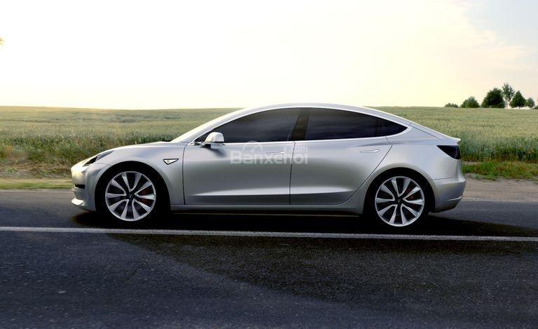 Đánh giá xe Tesla Model 3 2018: Thân xe đơn giản hóa, không rườm rà..