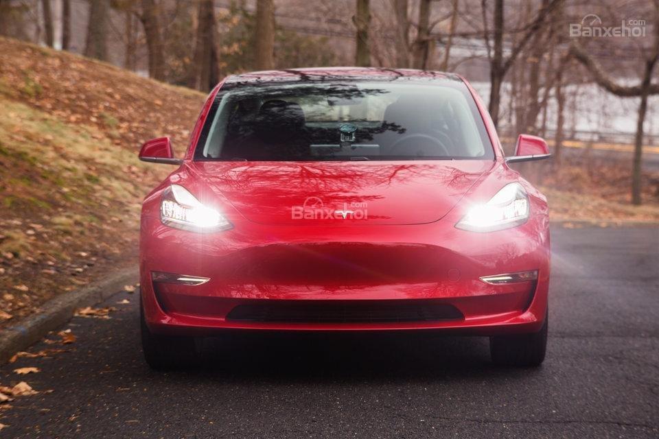 Đầu xe Tesla Model 3 2018