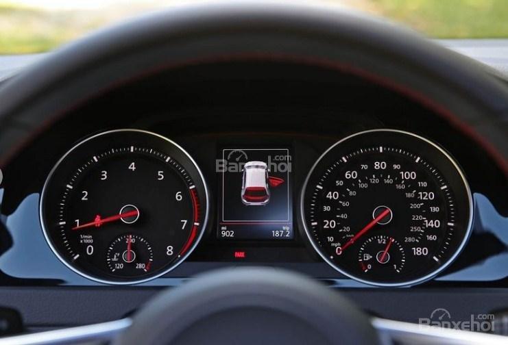 Đánh giá xe Volkswagen Golf GTI 2018 về cụm đồng hồ lái 1a