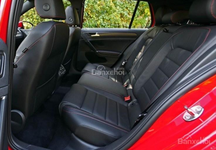 Đánh giá xe Volkswagen Golf GTI 2018 về hệ thống ghế ngồi 2a