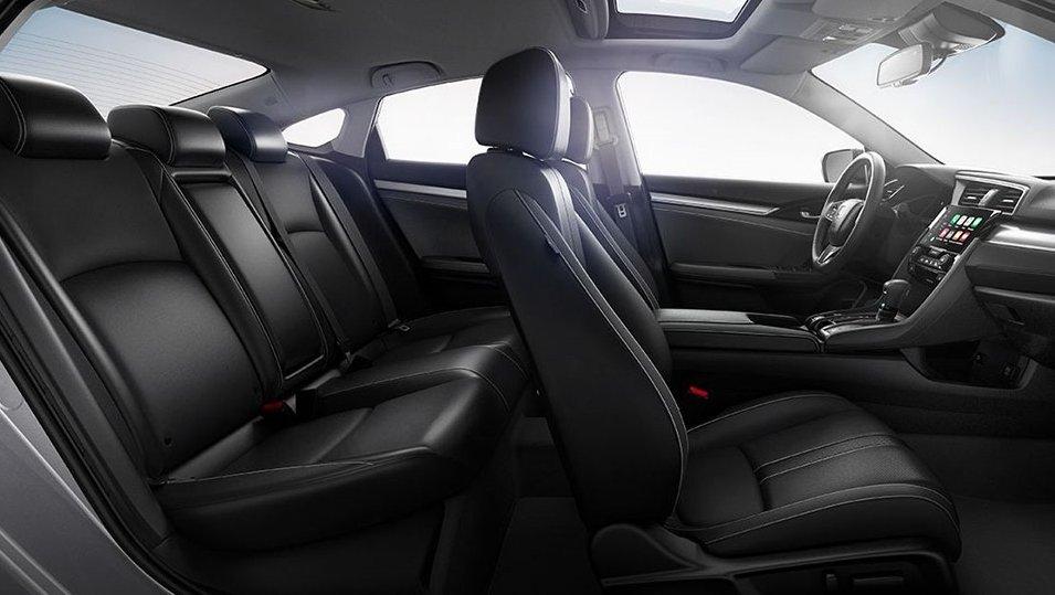 So sánh xe Mazda3 2.0L 2018 và Honda Civic 1.8E 2018 về không gian xe 2