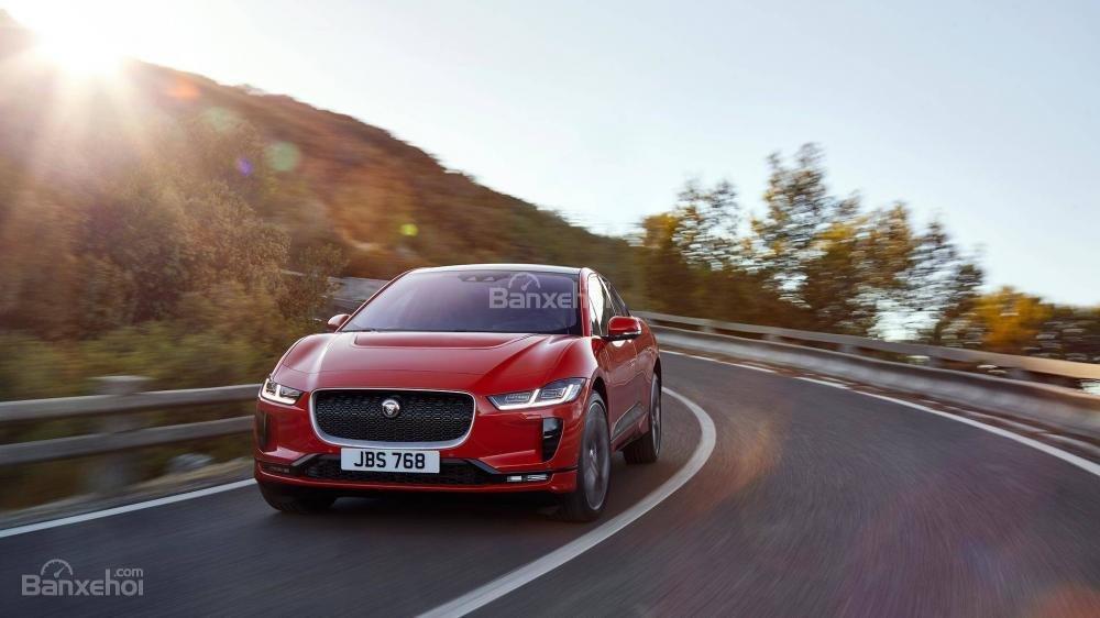 Đánh giá xe Jaguar I-Pace 2019: Đầu xe.
