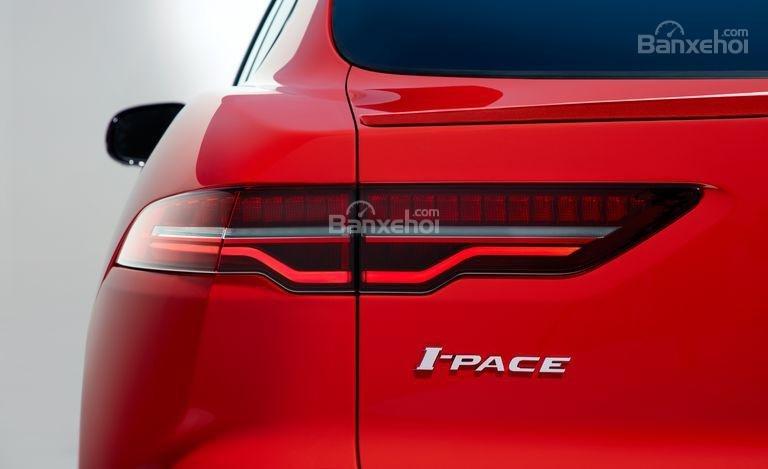 Đánh giá xe Jaguar I-Pace 2019: Đèn hậu.
