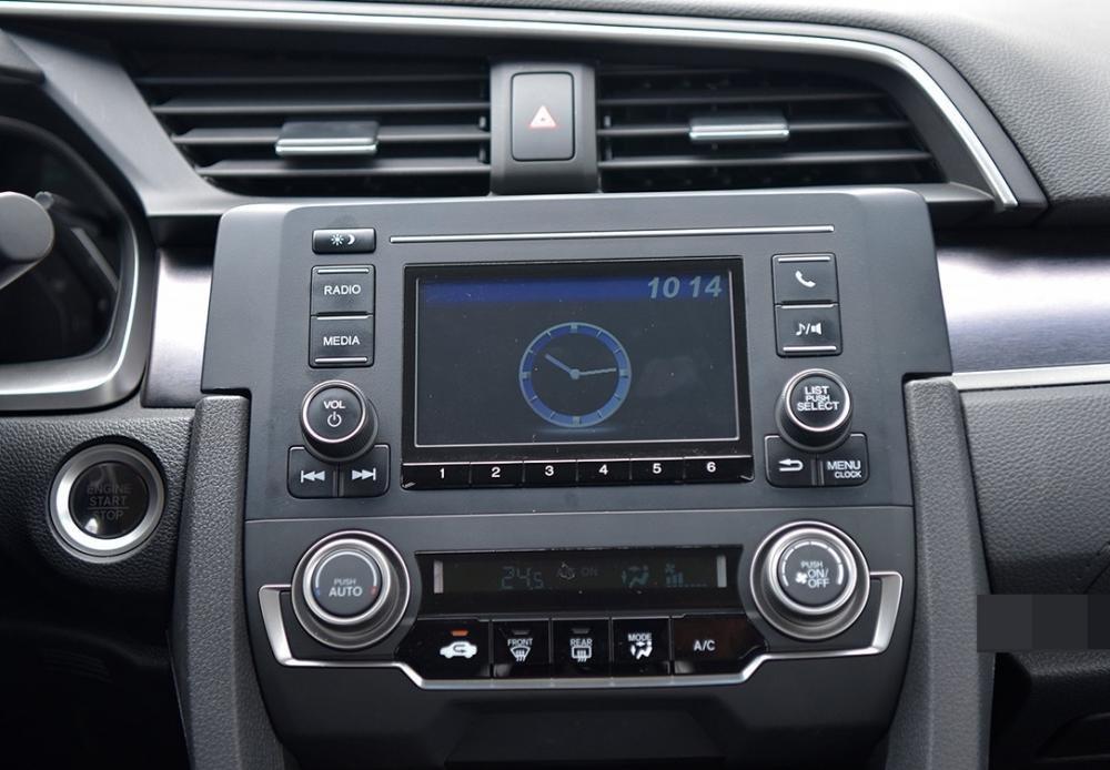 So sánh xe Mazda3 2.0L 2018 và Honda Civic 1.8E 2018 về tính năng giải trí 1