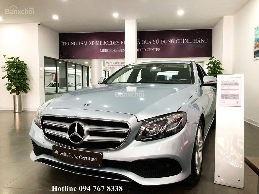 Bán ô tô Mercedes E250 đời 2018, màu bạc chính chủ (2)