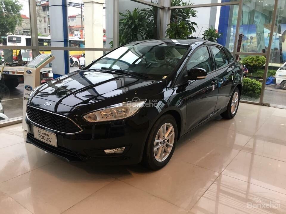 Ford Thủ Đô bán xe Ford Focus số tự động, trả góp, đủ màu, giá rẻ nhất toàn quốc - LH 0975434628-0