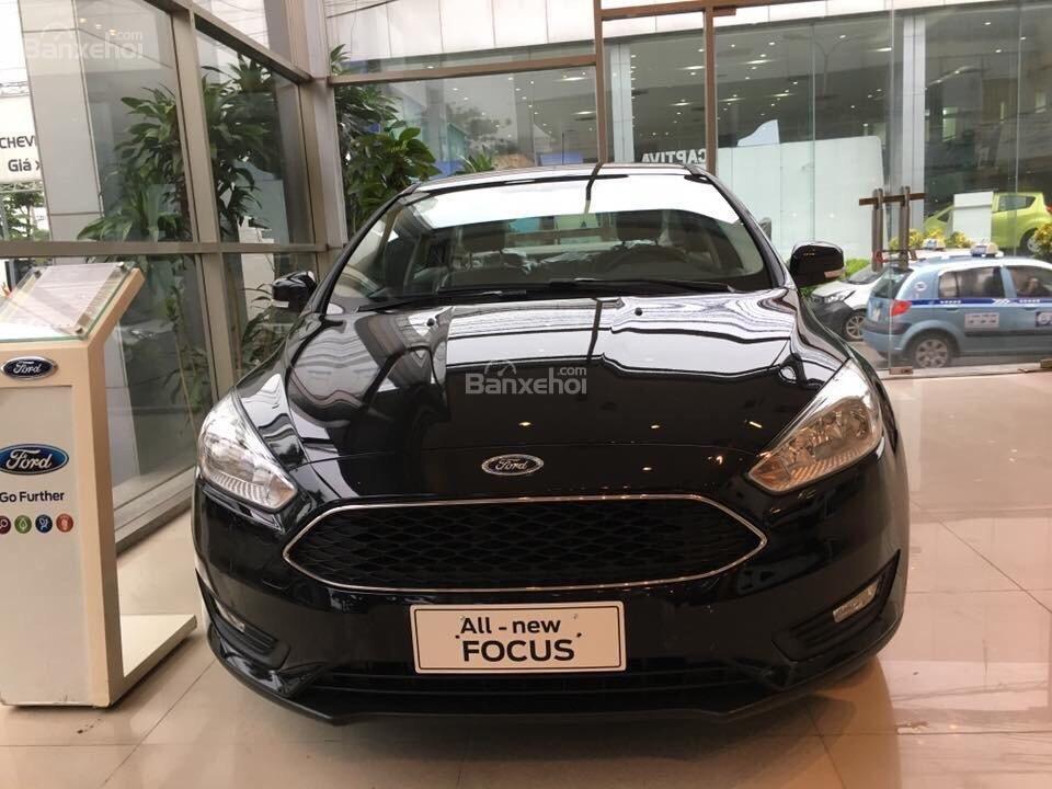Ford Thủ Đô bán xe Ford Focus số tự động, trả góp, đủ màu, giá rẻ nhất toàn quốc - LH 0975434628-1