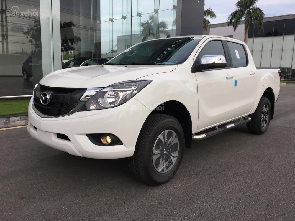 Bán tải Mazda BT-50 2.2 AT Facelift, giá tốt nhất Hà Nội - Hotline: 0973.560.137 (1)