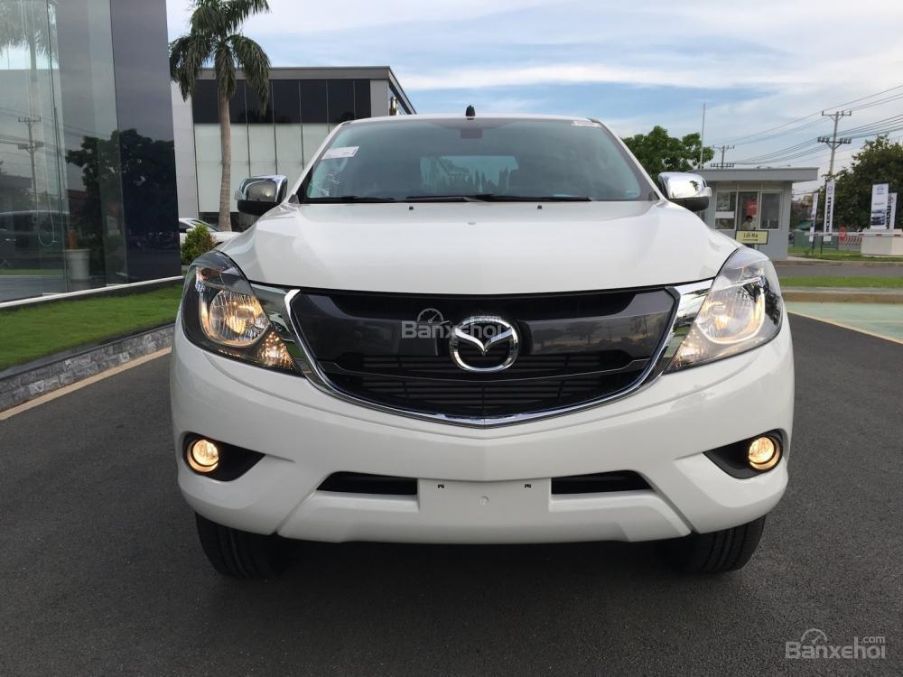 Bán tải Mazda BT-50 2.2 AT Facelift, giá tốt nhất Hà Nội - Hotline: 0973.560.137 (2)