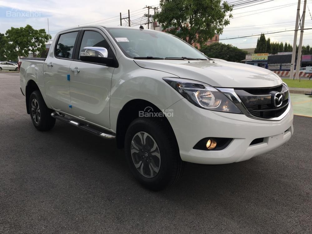 Bán tải Mazda BT-50 2.2 AT Facelift, giá tốt nhất Hà Nội - Hotline: 0973.560.137 (3)