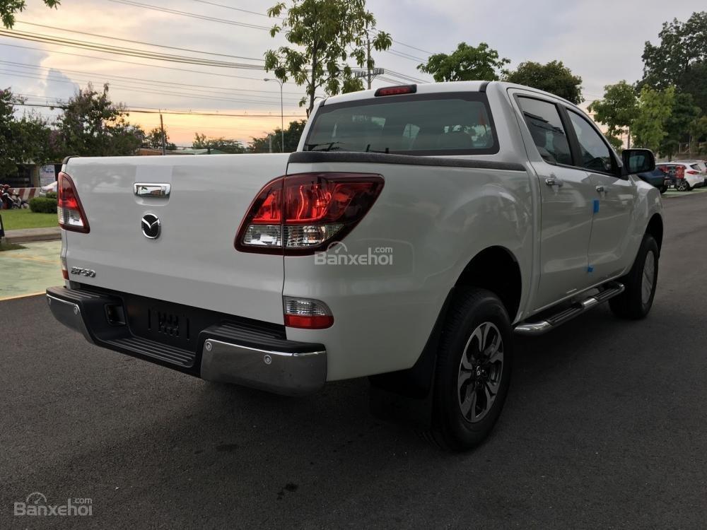 Bán tải Mazda BT-50 2.2 AT Facelift, giá tốt nhất Hà Nội - Hotline: 0973.560.137 (6)