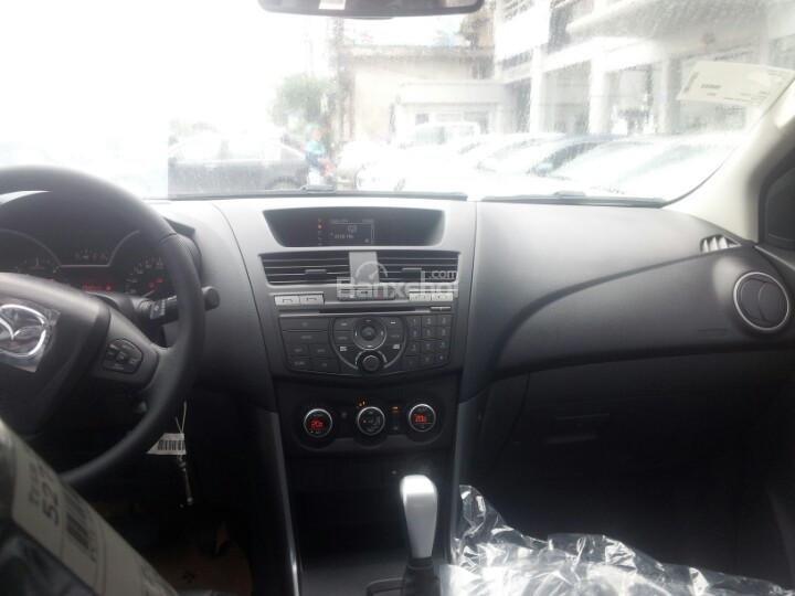 Bán tải Mazda BT-50 2.2 AT Facelift, giá tốt nhất Hà Nội - Hotline: 0973.560.137 (9)