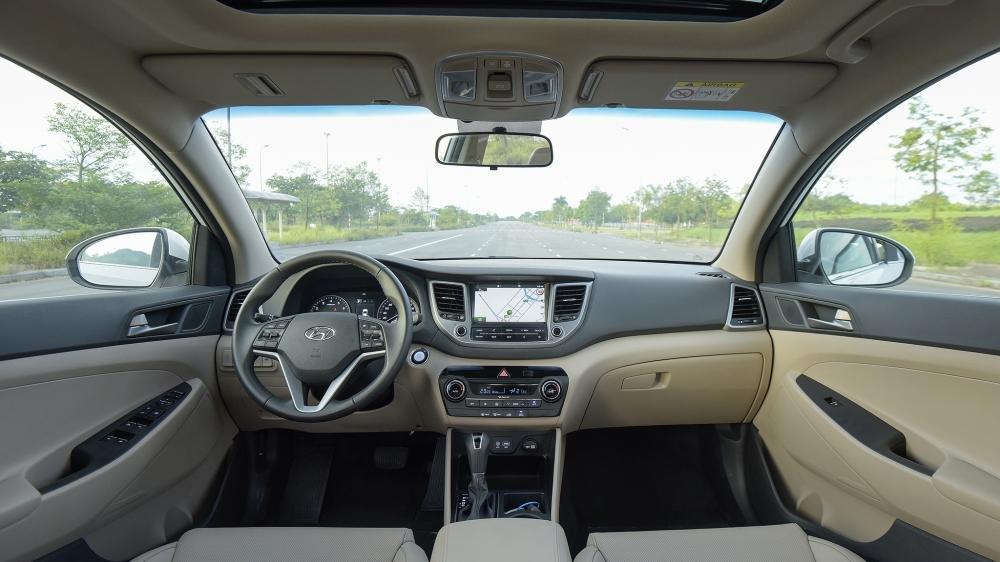 So sánh Hyundai Tucson 2019 mới và Hyundai Tucson 2018 cũ về nội thất 2a